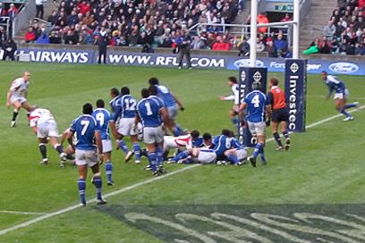 England vs. Samoa @ Twickenham - Samoa desperately try to defend