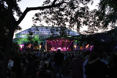 Kew Gardens Summer Swing